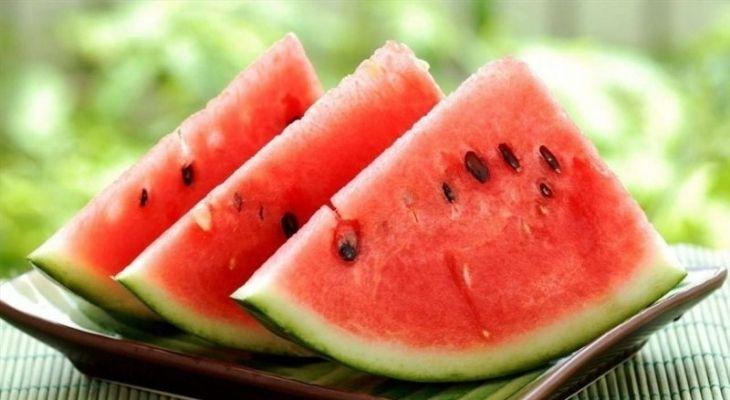 Dưa hấu đứng đầu trong nhóm hoa quả người bị gout nên ăn