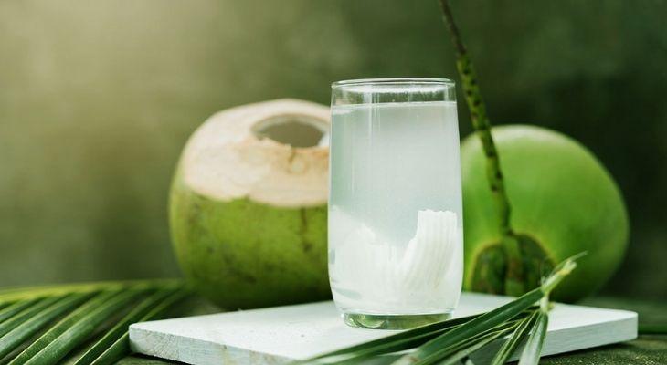 Nước dừa cung cấp nhiều khoáng chất và vitamin cho cơ thể