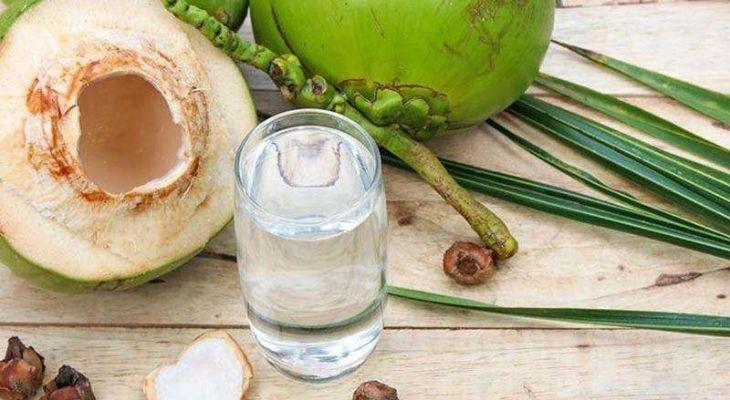 Uống nước dừa nguyên chất là cách chữa bệnh gút rất hiệu quả