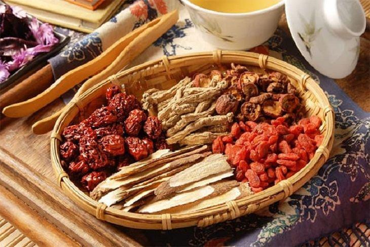 Thảo dược Đông y có thể điều trị tình trạng da khô do bệnh lý gây ra