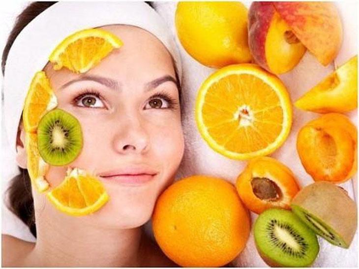 Việc cung cấp đầy đủ chất dinh dưỡng cho cơ thể không chỉ giúp cải thiện vấn đề da khô sau sinh mà còn giúp mẹ phục hồi sức khỏe nhanh chóng