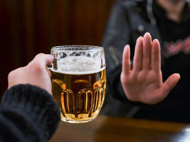 Không nên uống bia rượu khi bị suy thận