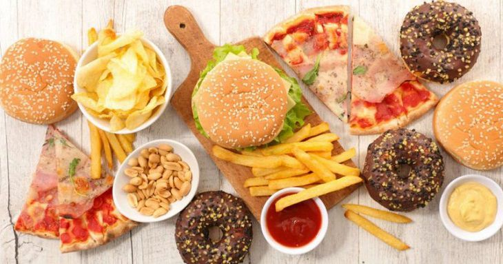 Chế độ ăn uống khi bị suy thận vô cùng quan trọng.