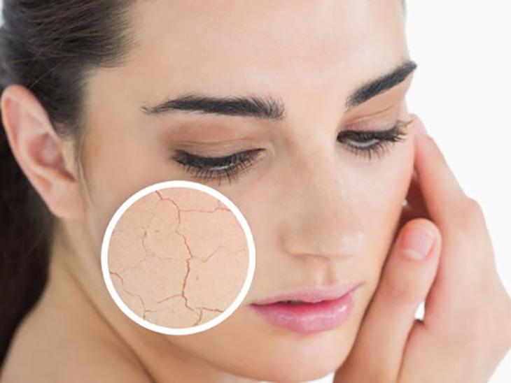 Tẩy da chết chính là một trong những cách tốt nhất giúp chị em cải thiện các vấn đề của da khô