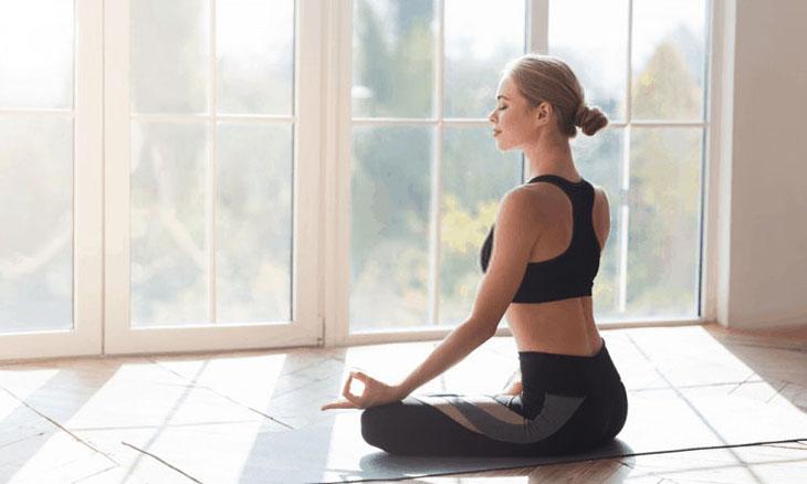 Ngồi thiền là bài tập đầu tiên giúp chị em điều hòa nội tiết trong cơ thể