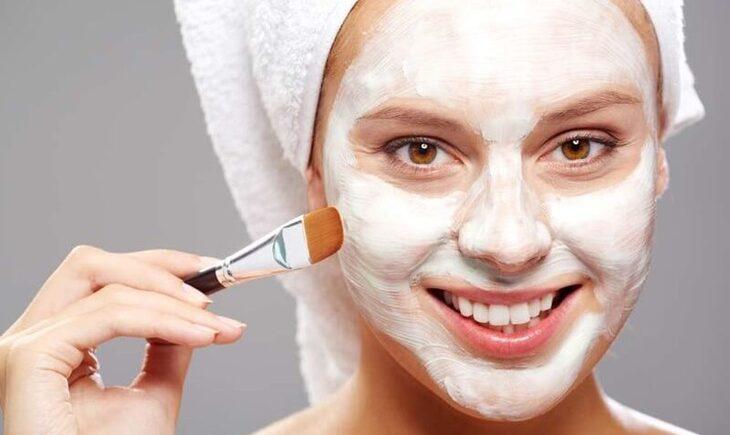 Sử dụng mặt nạ saffron thường xuyên sẽ giúp bạn sở hữu làn da trắng hồng rạng ngời như ý