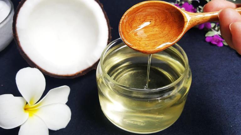 Dầu dừa chỉ thích hợp với bề mặt da thông thường, không phù hợp với môi trường âm đạo