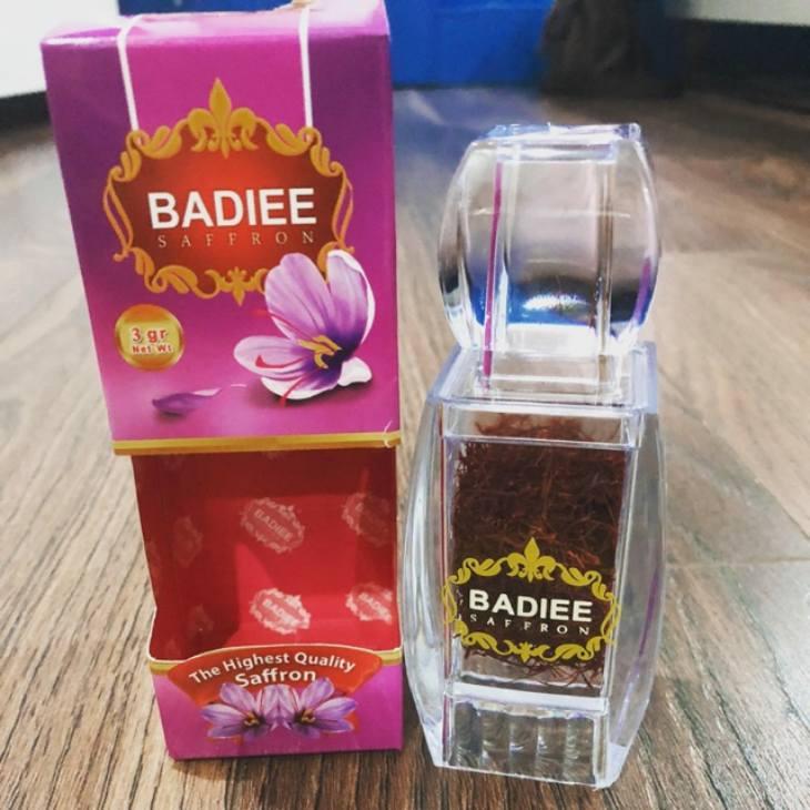 Saffron Badiee là một thương hiệu nổi tiếng đến từ Dubai, mọi người có thể lựa chọn sản phẩm này hoặc tìm các đơn vị uy tín khác