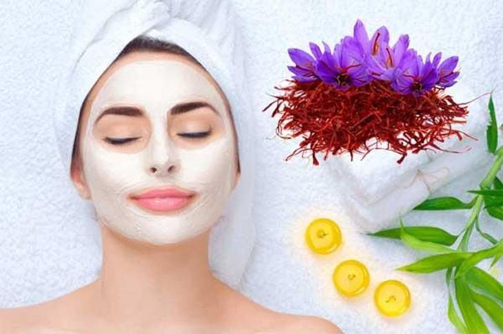 Nhuỵ hoa nghệ tây đem lại nhiều tác dụng tuyệt vời cho làn da, mái tóc và vóc dáng phụ nữ