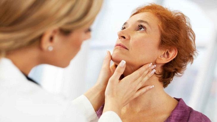 Cá bác sĩ sẽ tiến hành chẩn đoán phân biệt viêm tuyến giáp bán cấp với những căn bệnh khác