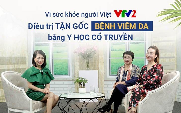 Bác sĩ Nguyễn Thị Nhuần và diễn viên Vân Anh tại chương trình Vì sức khoẻ người Việt