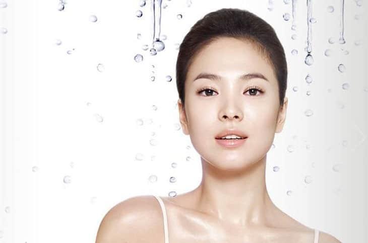 Cấp ẩm giúp da mềm mại và mịn màng