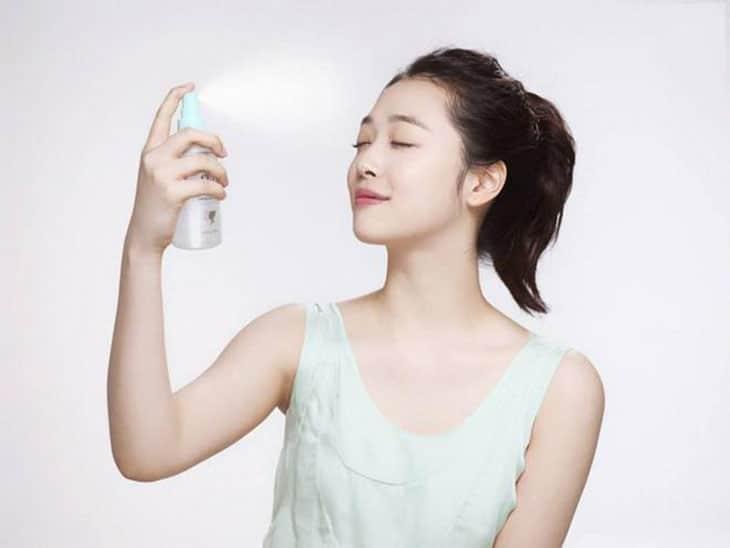 Nên cung cấp độ ẩm và lượng nước cần thiết để da luôn khỏe mạnh