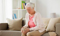 Estrogen suy giảm ở tuổi mãn kinh làm hao hụt trầm trọng lượng canxi cần thiết trong cơ thể