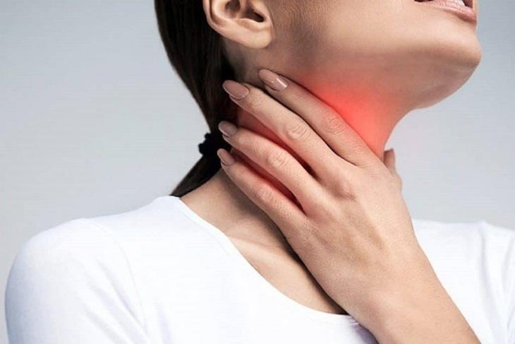 Huyệt Đại Chùy có thể cải thiện chứng viêm họng rất tốt