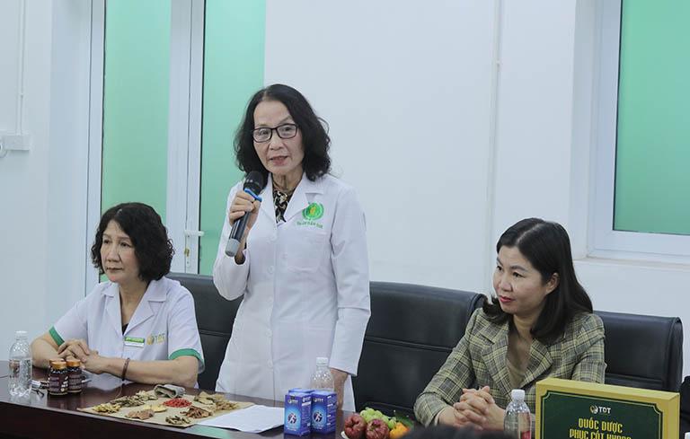 Bác sĩ Lê Thị Phương - Nguyên Giám đốc Bệnh viện YHCT Hà Đông đánh giá cao hiệu quả bài thuốc