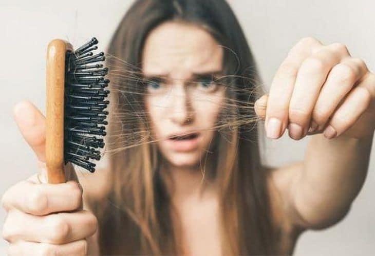 Chị em phụ nữ thường gặp các vấn đề về tâm lý khi bị rụng tóc quá nhiều