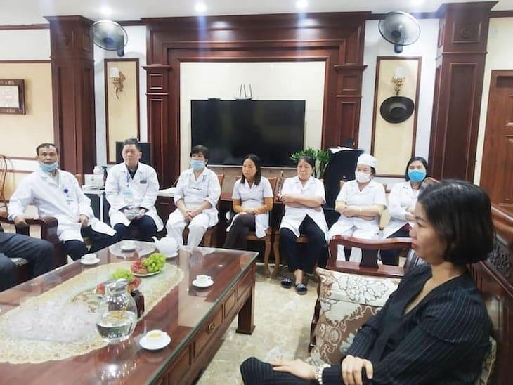 Buổi ký kết còn có sự tham gia của đội ngũ y bác sĩ hai đơn vị