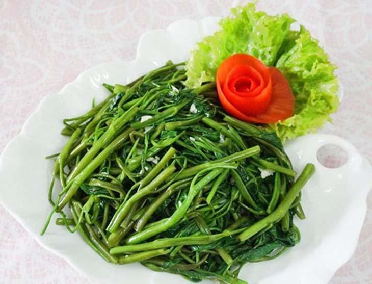 Rau muống làm tăng nguy cơ mắc sỏi thận và bị sỏi thận không nên ăn rau muống