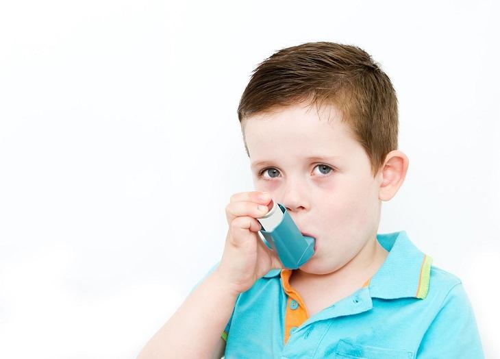 Để điều trị cấp cứu suyễn trẻ em hiệu quả, cha mẹ cần nắm rõ tình hình bệnh của con em mình
