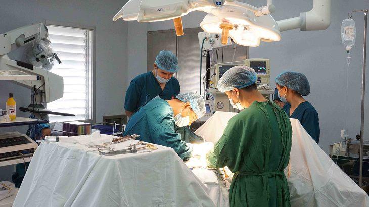 Có thể áp dụng phương pháp phẫu thuật trong trường hợp bệnh diễn biến nghiêm trọng