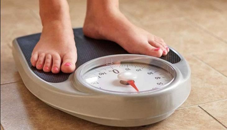 Người tăng cân bất thường nên đi kiểm tra
