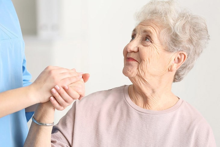 Người cao tuổi có nguy cơ cao mắc bệnh viêm khớp dạng thấp