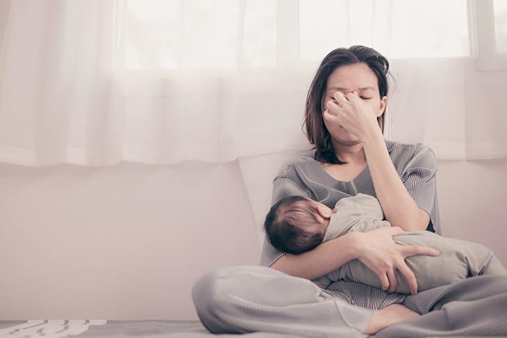 Quá trình sinh con gây kiệt sức cũng khiến một số bà mẹ bị hậu sản bệnh lý