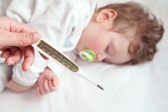 Sốt cao co giật ở trẻ em: Nguyên nhân, cách điều trị và phòng ngừa