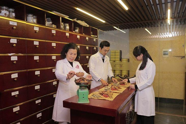 Thành phần dược liệu được bác sĩ Vân Anh cùng các chuyên gia gia giảm cẩn thận