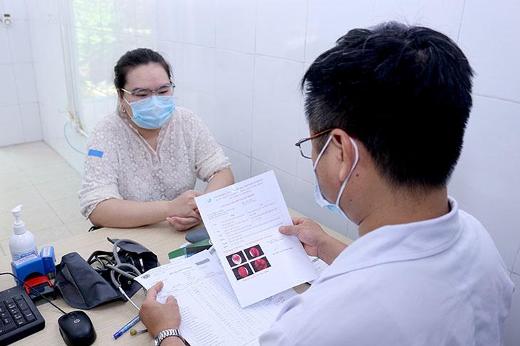 Chị Phạm Tuyết Mai chữa ho tại Quân dân 102