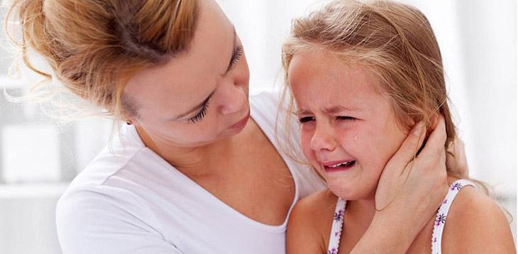 Não úng thủy khiến đầu trẻ to dần và nhu mô não bị tổn thương nghiêm trọng